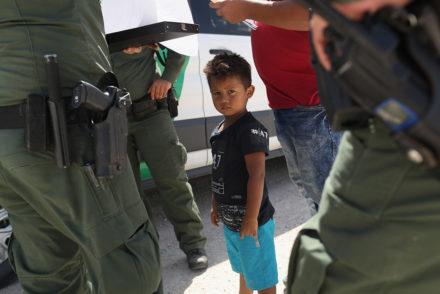 Politico child at border